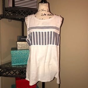 🆕 Two by Vince Camuto top size large